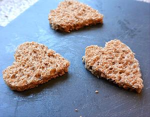 simple thoughts valentijnsontbijt hart broodjes