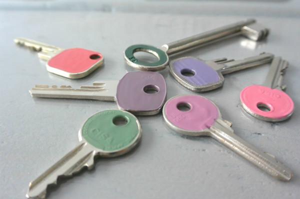 simple thoughts nagellak sleutels vrolijk