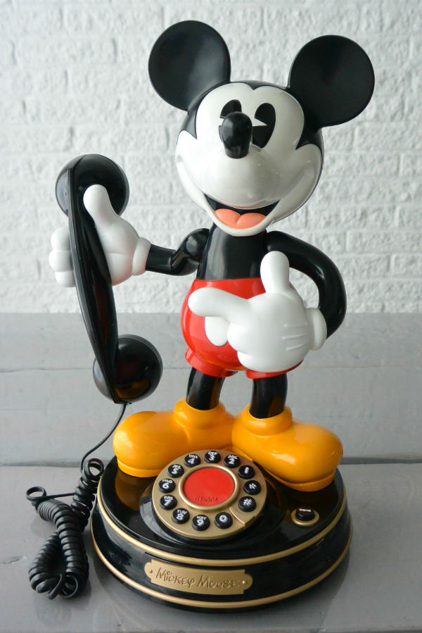 simple thoughts disney fan mickey telefoon