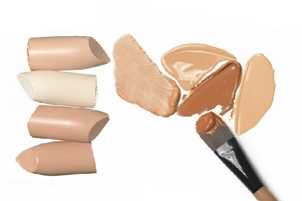simple thoughts make-up basics concealer