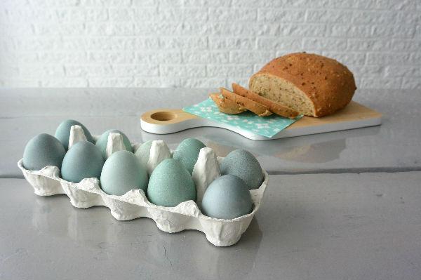 simple thoughts paaseieren natuurlijk verven eieren