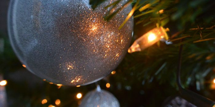 simple-thoughts-verzamel-kerstboom-glitter-kerstbal