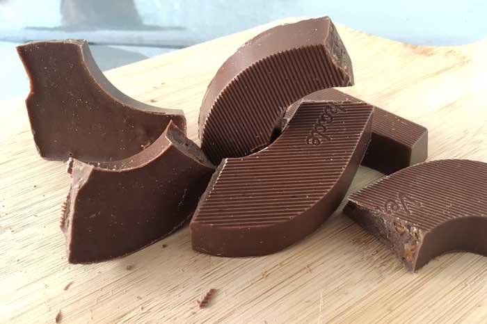 verkade krokante karamel en zeezout chocolade letter
